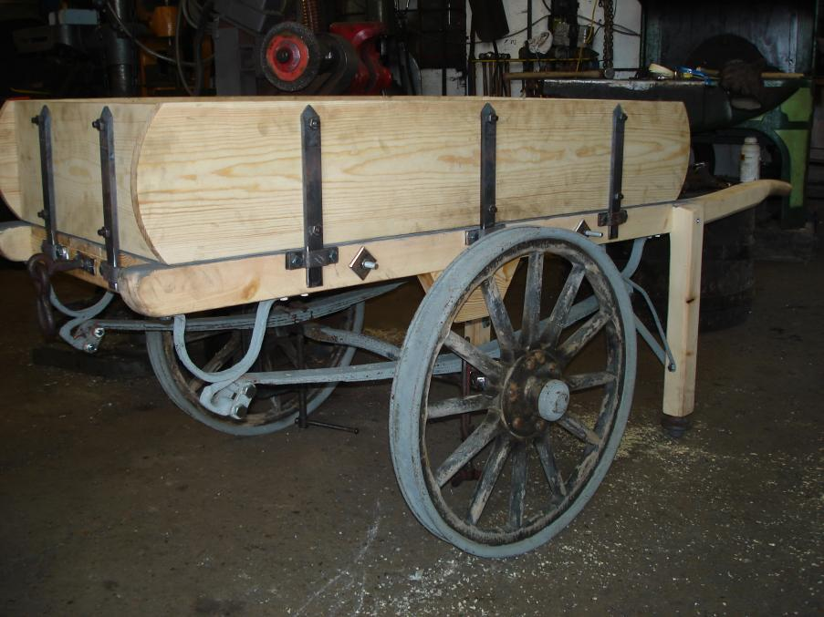 Restoration of steel delivery cart 1923