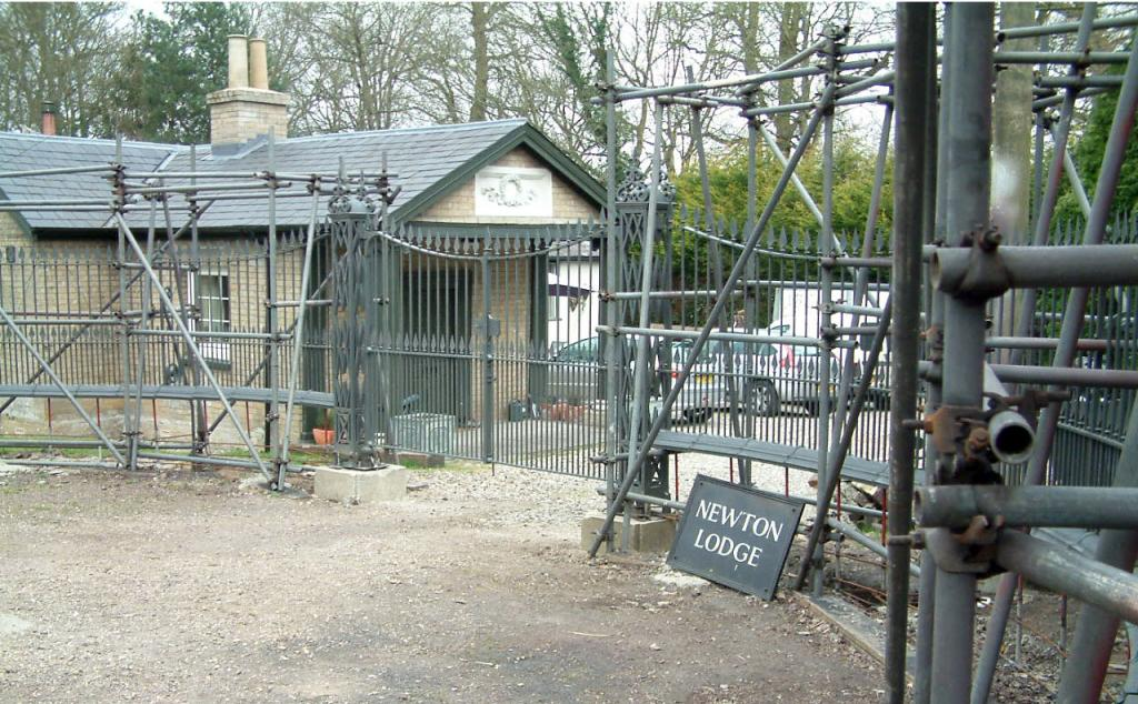 Newton Lodge Gates: Restoration project